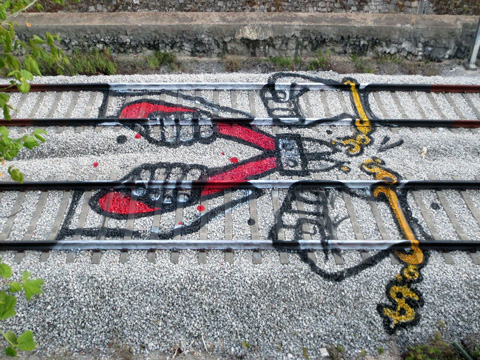 bordalo-ii-handcuff-tracks